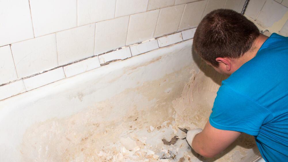 10 Easy Steps to Refinish a Bathtub