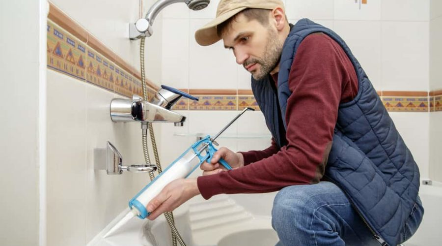 9 Easy Steps to Caulk a Bathtub