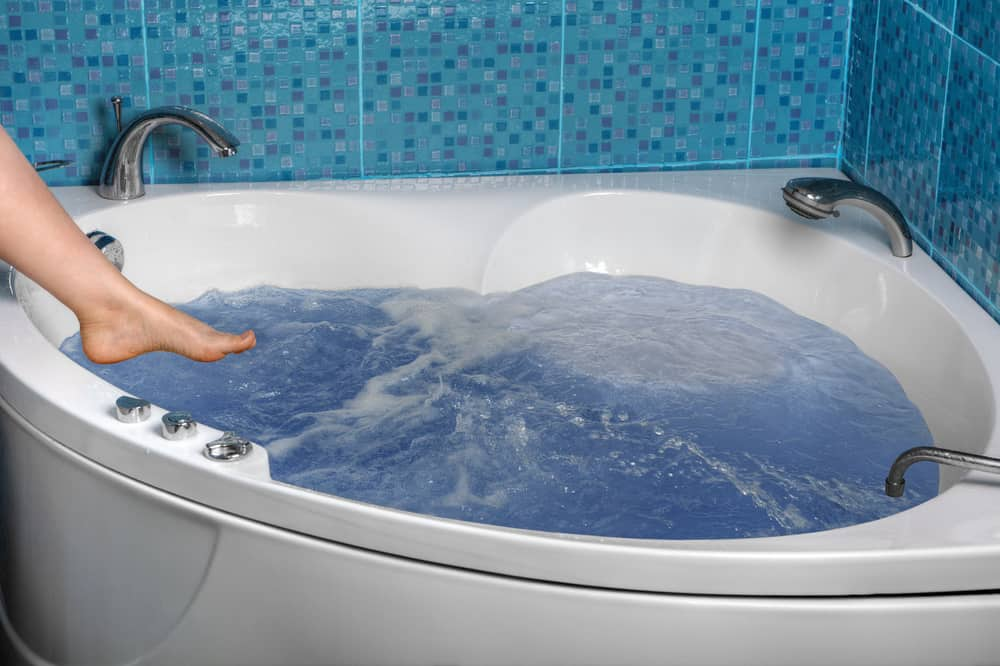 7 Best Corner Bathtubs Of 2021 Corner Tub Reviews