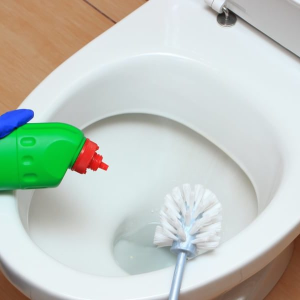 7 Tips to Remove Hard Water Stains from Toilet