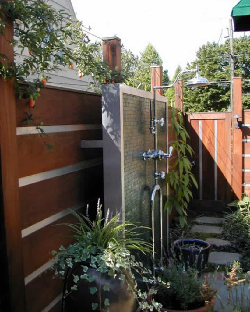Build a Wall outdoor shower