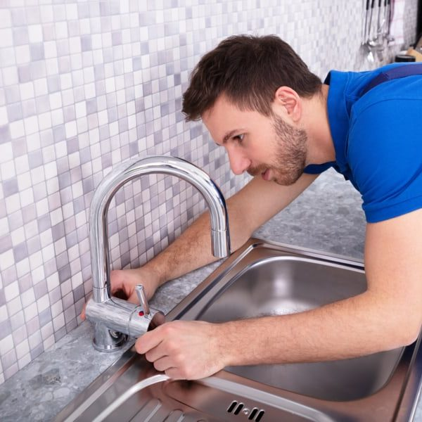 5 Tips to Identify the Brand of a Kitchen Faucet