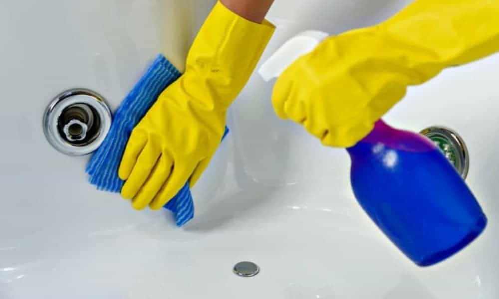 Drain and deep-clean the tub every 3-6 months