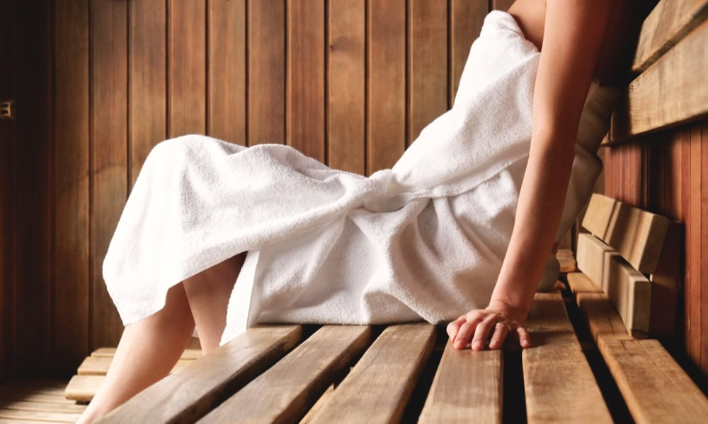 What Should & Shouldn not to Wear in a Sauna