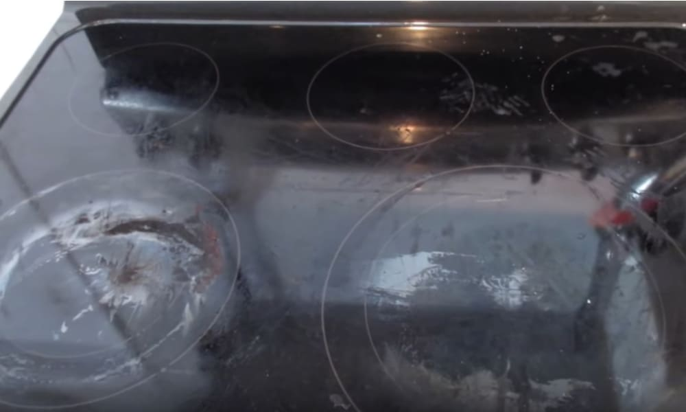How to Wipe Out Tough Stains on a Glass Cooktop