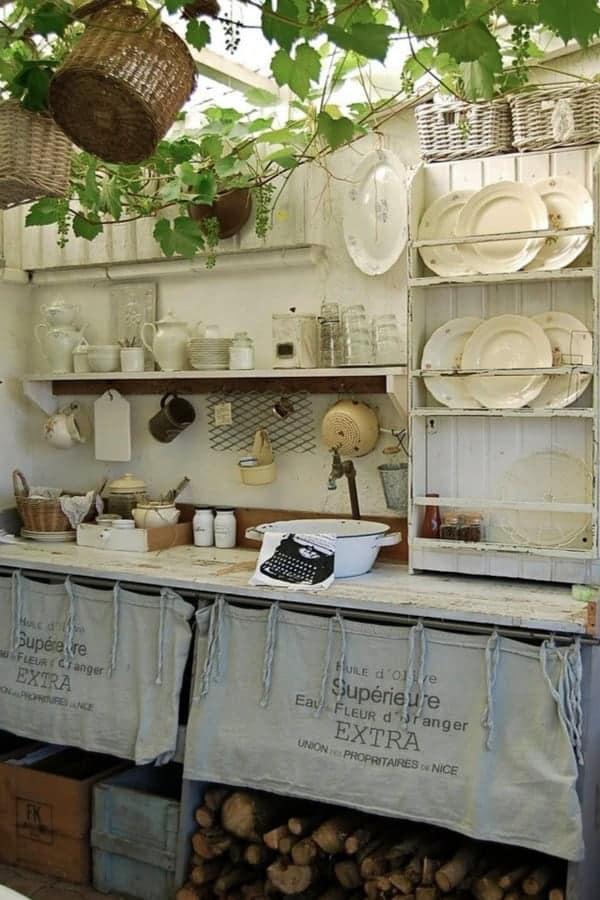 DIY pallet sink and food prep space 1