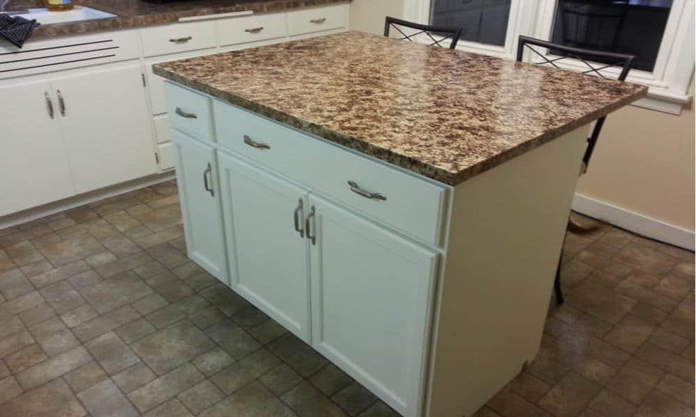 Kitchen island cabinet storage