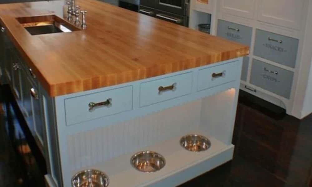 Kitchen island for storing pet bowls
