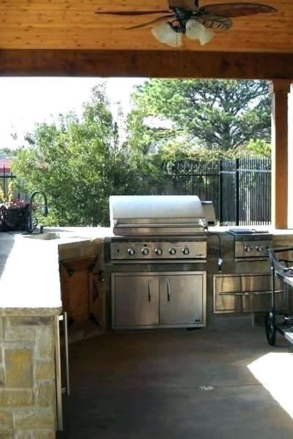 Move the whole kitchen into the yard