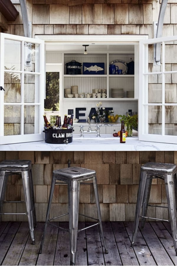 Outdoor kitchen with an inspiring counter