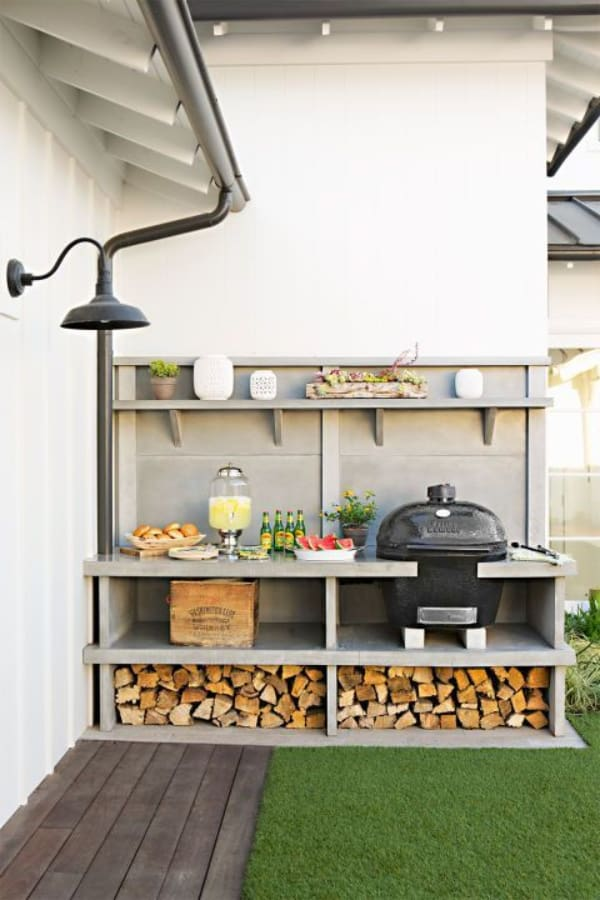 Small outdoor space for food prep