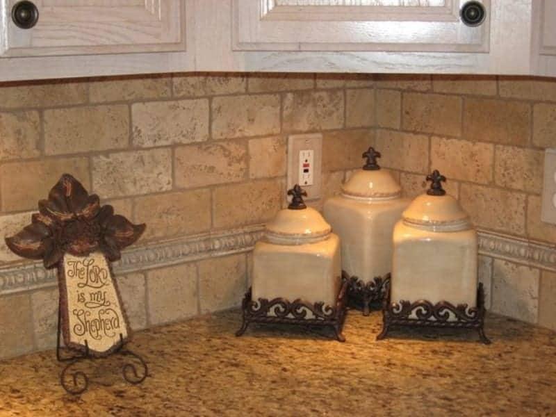 Travertine backsplash tiles