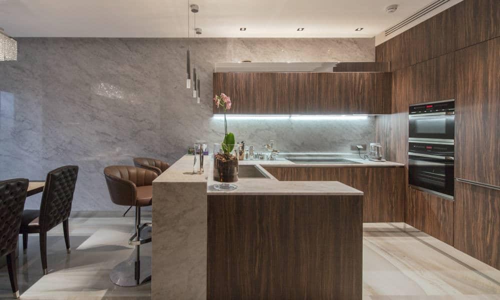 Under-cabinet kitchen lighting