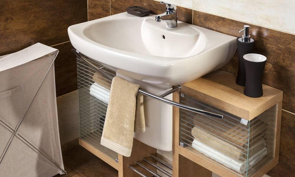 Accessorizing Small Bathrooms