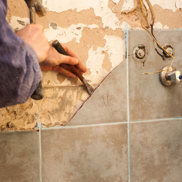 10 Easy Steps to Remove Bathroom Tiles