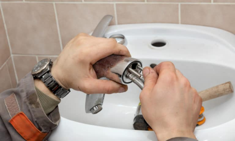 9 Easy Steps to Replace a Bathroom Faucet