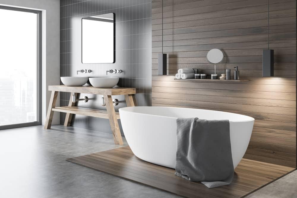 Impressive Bathtub