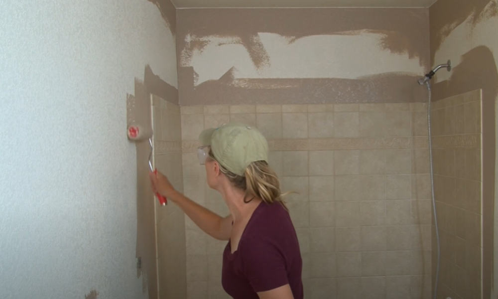 13 Easy Steps To Paint A Bathroom, How To Clean Painted Bathroom Walls
