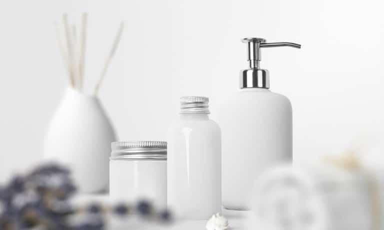 25 Homemade Mason Jar Bathroom Set Plans You Can DIY Easily