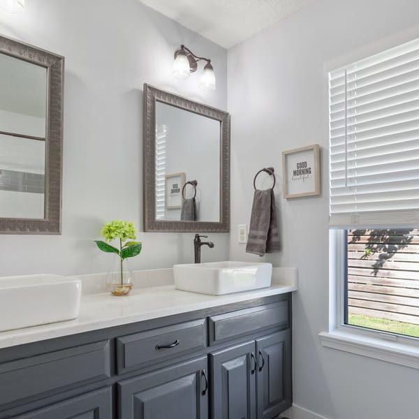27 DIY Beach Bathroom Décor Ideas