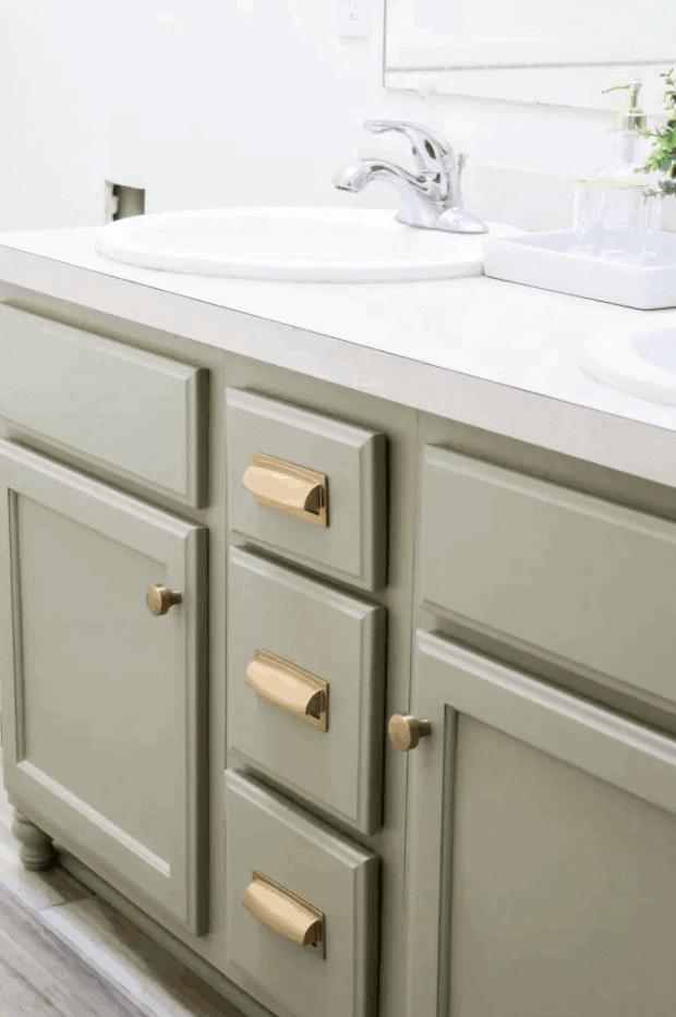 Easy DIY Bathroom Vanity Makeover
