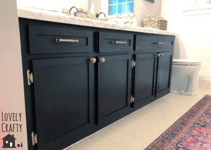 Hall Bathroom Vanity Makeover – From Ewwww to Ooooh