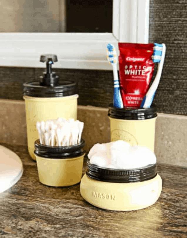 Mason Jar Bathroom Set from Food and DIY