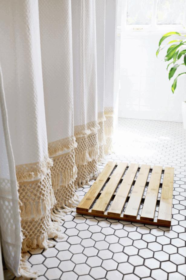 Macramé Shower Curtain DIY