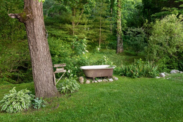 25 Homemade Outdoor Bathtub Plans You Can Build Easily