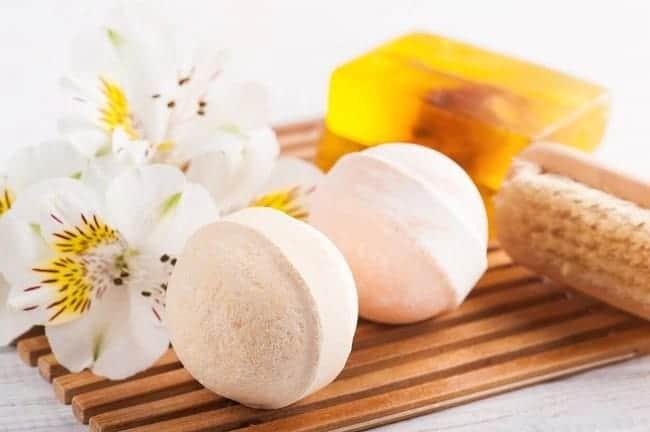 Anti-Inflammatory DIY Detox Bath Bombs
