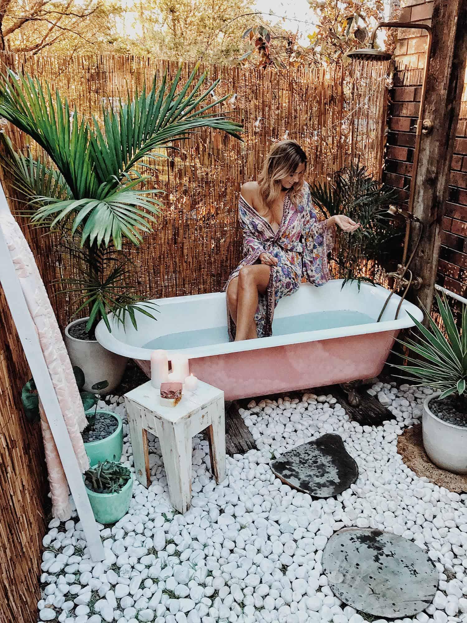 DIY Outdoor Bath – SPELL