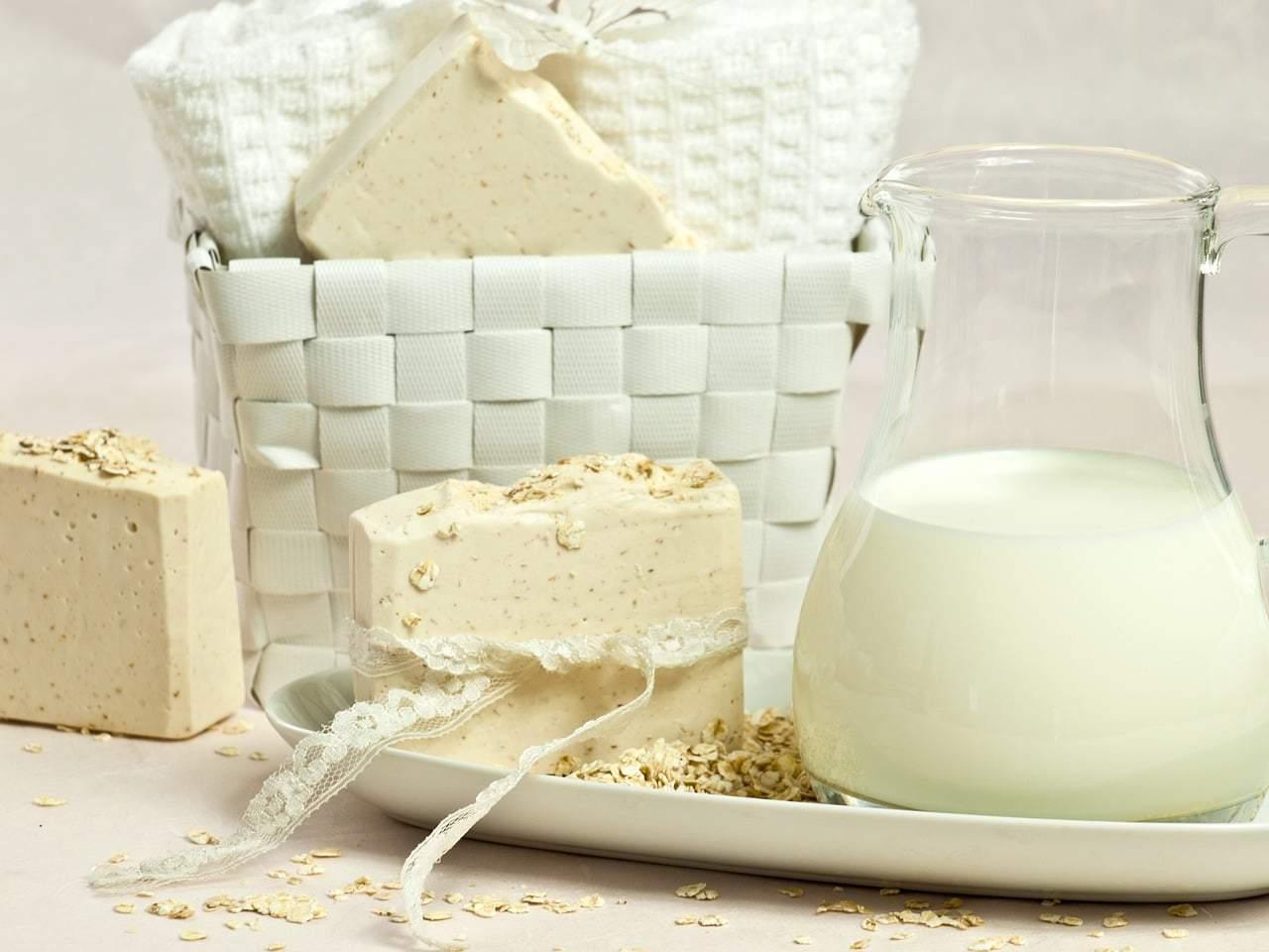 DIY Peppermint + Oatmeal Bath