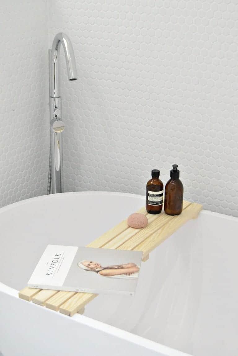 DIY Pinewood Bath Caddy