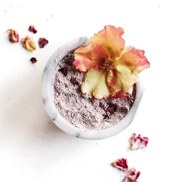 DIY Rose Oatmeal Milk Bath