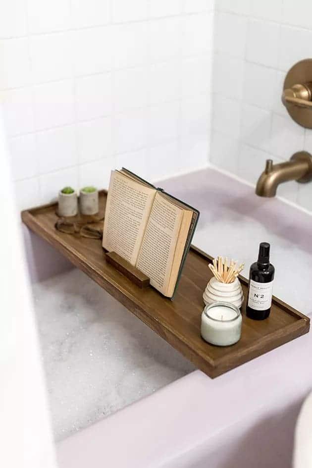 Hunker's DIY Bath Caddy