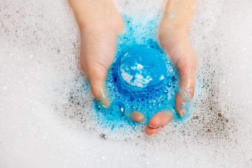 Creamy Fizzy DIY Bath Melts