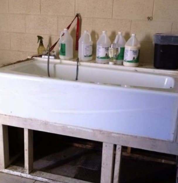 Porcelain DIY Dog Bath Tub