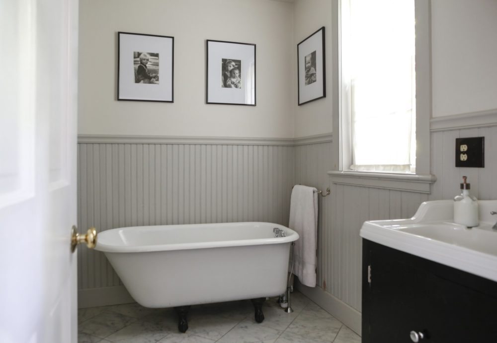 28 Beadboard Bathroom Design Ideas